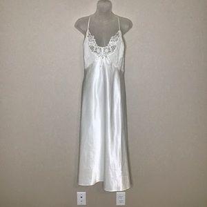 Avon Intimates Satin Night Gown Sz 2X Ivory Beaded